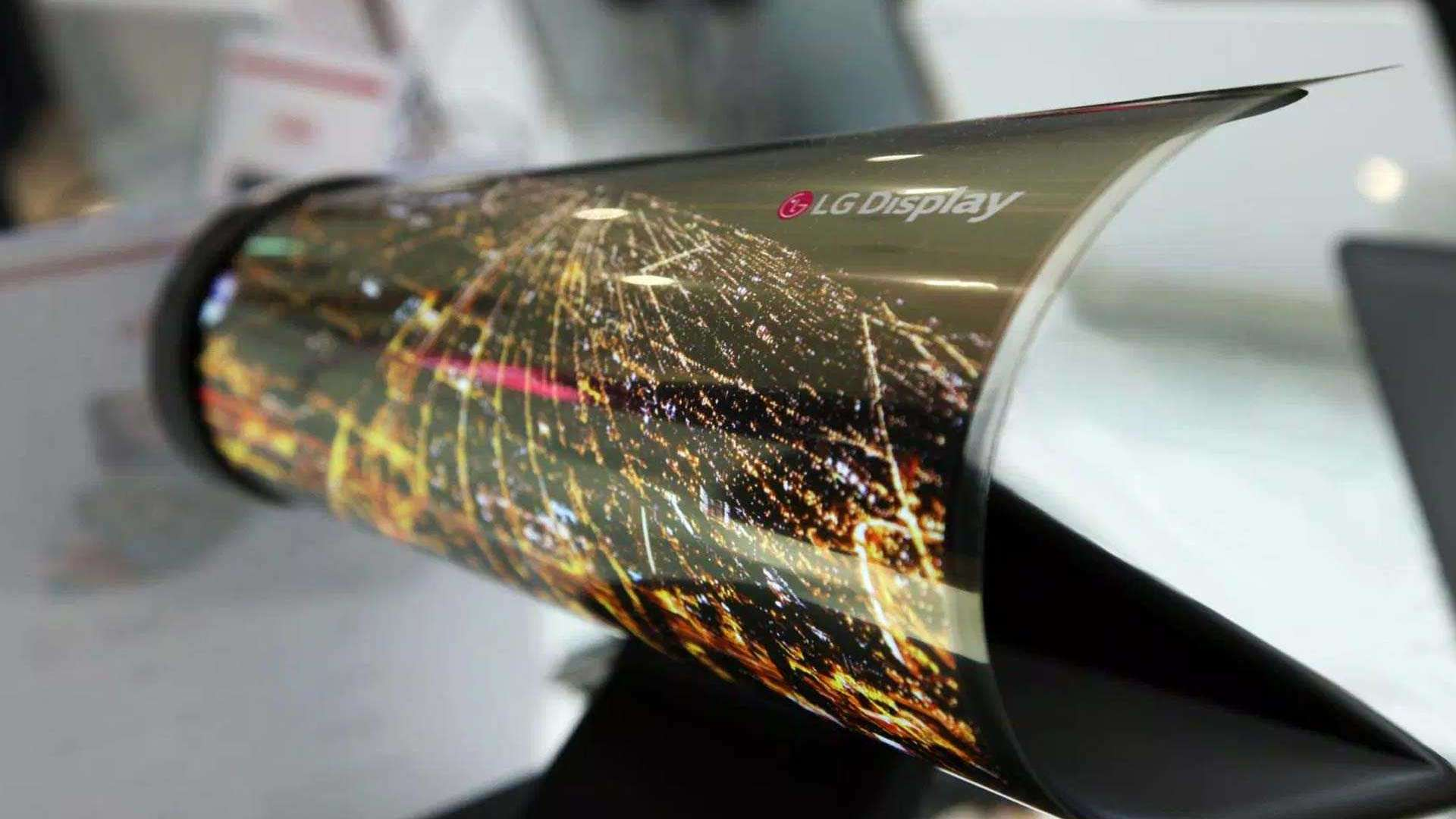 Panel makers such as LG are making flexible displays